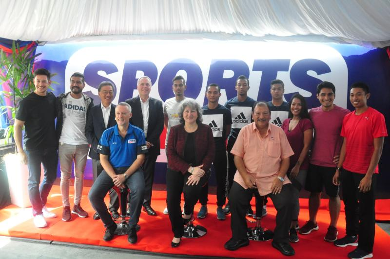 RUNNING WITH PASSION PASSION WITH  SPORTS DIRECT Unveils New Flagship Superstore   5bbf5c