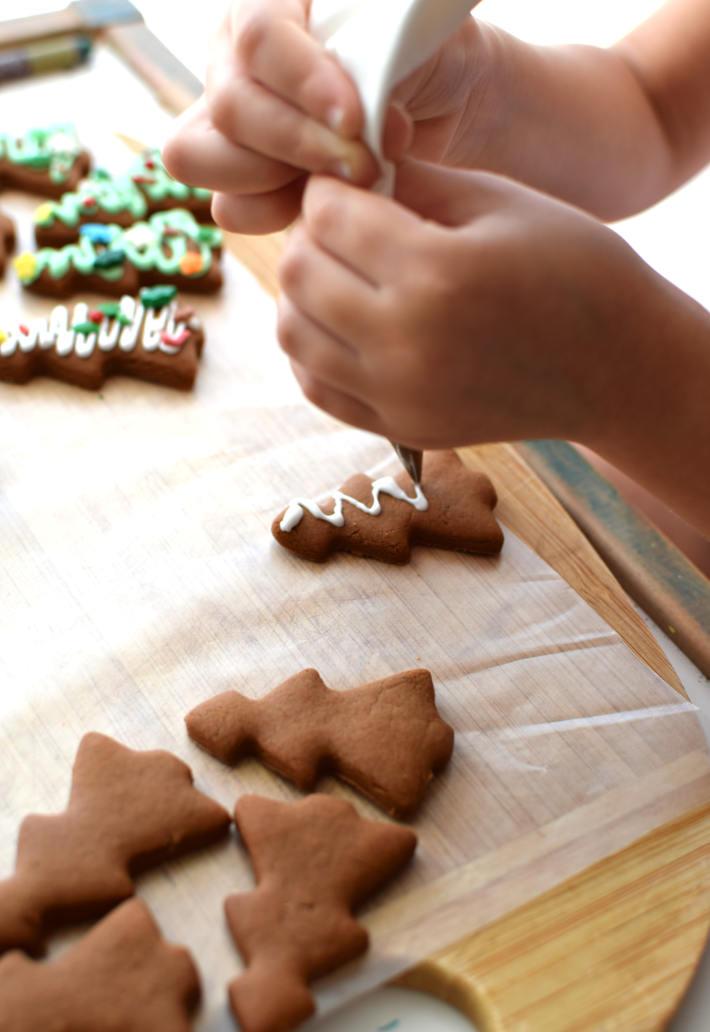 Decoración de las galletas de jengibre
