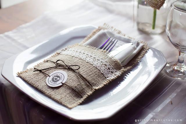 casamento real, decoração da recepção, rústico chic, rústico chic, mesa dos convidados, mesa semi posta, porta guardanapo, porta talher, casamento eloiza e renato