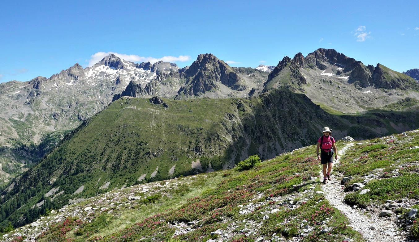 Path near Tête de la Lave