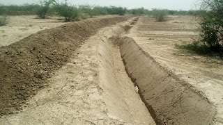 Continuous contour trenches