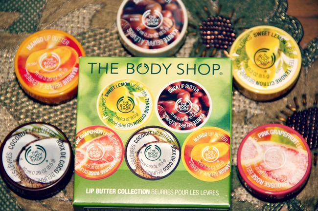 The Body Shop set od 5 putera balzama za usne