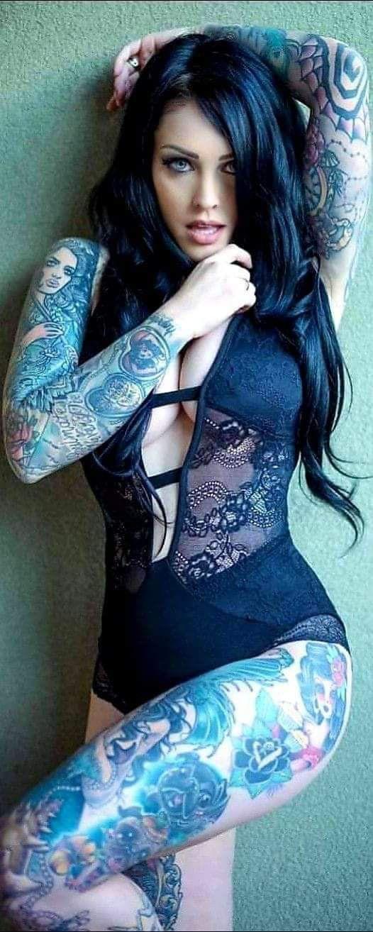 15 Beautiful Sleeve Tattoos For Women
