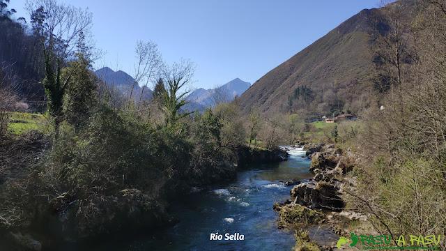Río Sella a su paso por Tornín, Cangas de Onís