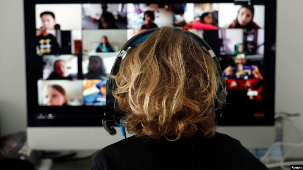El aumento en el uso de las videollamadas ha generado que millones de personas sientan una fatiga mental que los expertos han denominado