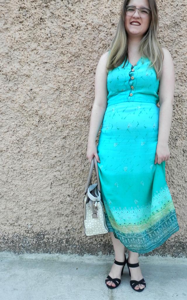 Look: Vestido longo azul claro