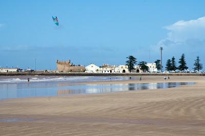 Побережье Атлантического океана в Эс-Сувейре, Марокко