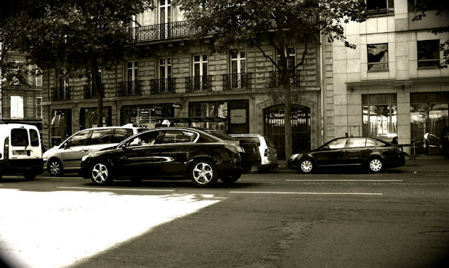 Paris Airport Taxi Service by English Speaking Chauffeurs