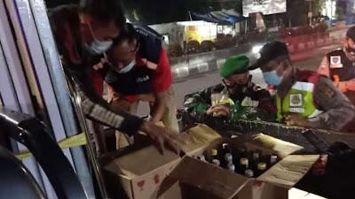 Dinilai langgar Aturan PPKM, Tim Gabungan Sita Toko Miras