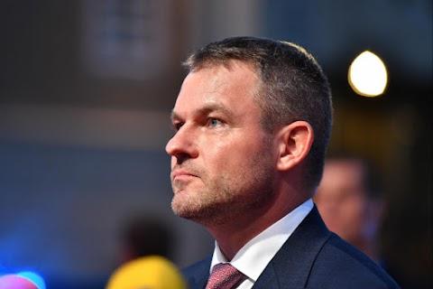 Bizalmatlansági indítványt adnak be a szlovák kormányfő ellen ellenzéki képviselők