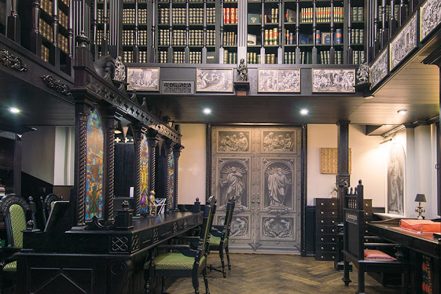 Book Chapel