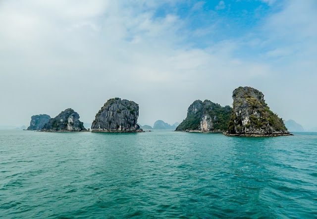 Experience the most attractive tourist on Halong Bay