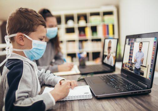 Koronavirüs Sonrası EdTech Sanal Sınıflar VR ve P2P Platformlarında Eğitim