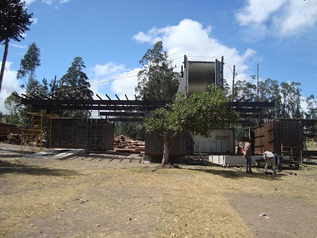 Casa RDP - Shipping Container Industrial Style House, Ecuador 40