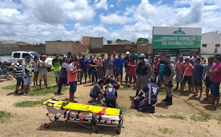 Jovem perde controle de motocicleta e sofre grave acidente em Nova Floresta