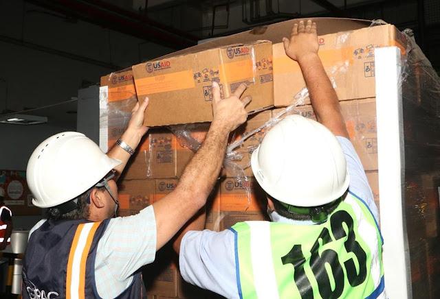 Cargan en Cúcuta los primeros camiones con ayuda humanitaria para Venezuela