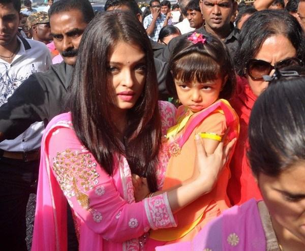 cute Aradhya bachchan