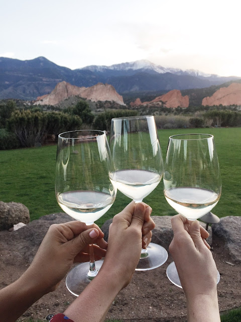 Girls Getaway at Garden of the Gods Club by Colorado lifestyle blogger Eat Pray Wear Love