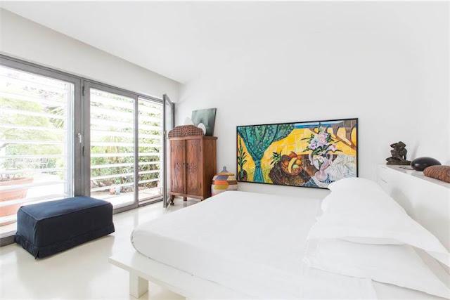 apartamento en Roma de planta abierta y repleto de originales obras de arte chicanddeco