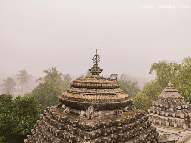Nilamadhava Temple, Kantilo in fog