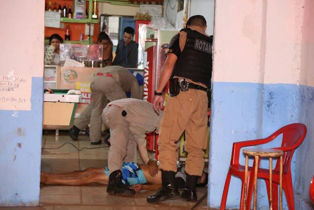 Dois homens são assassinados dentro de bar na cidade de Sarandi