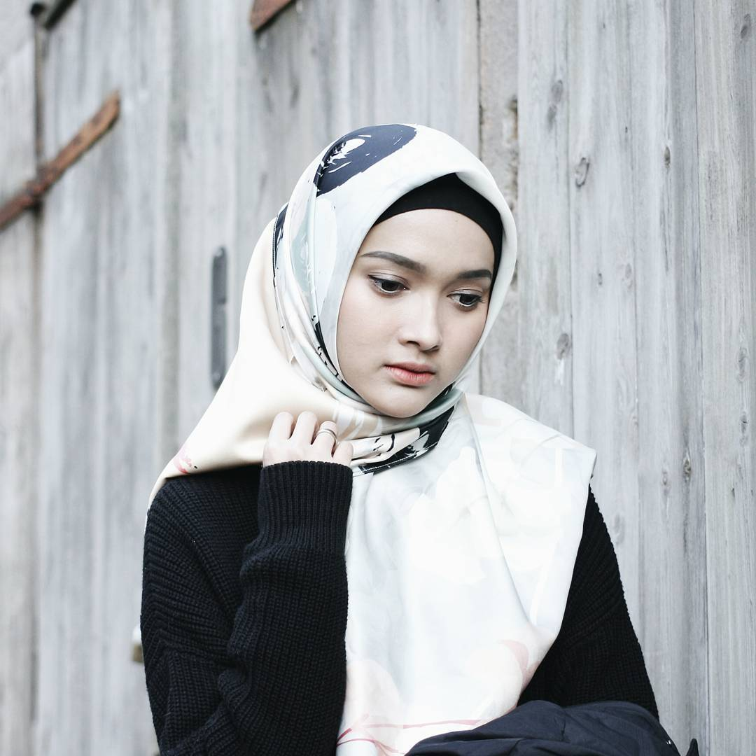 20+ Inspirasi Model Hijab 2018: Simple, Modis & Stylish