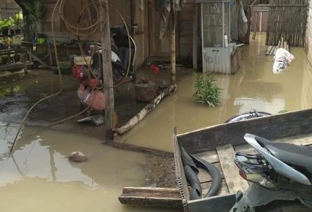 Desa Kuning I Dilanda Banjir, Tanggul Sungai Lawe Tuban Jebol