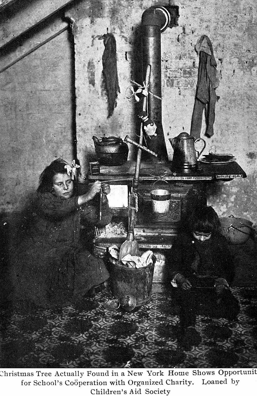 1909 USA tenement Christmas, a photograph of poverty