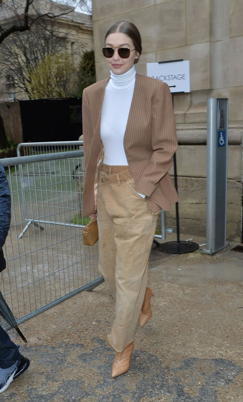 Gigi Hadid Leaves Chloe Fashion Show Clicks at PFW in Paris 27 Feb-2020