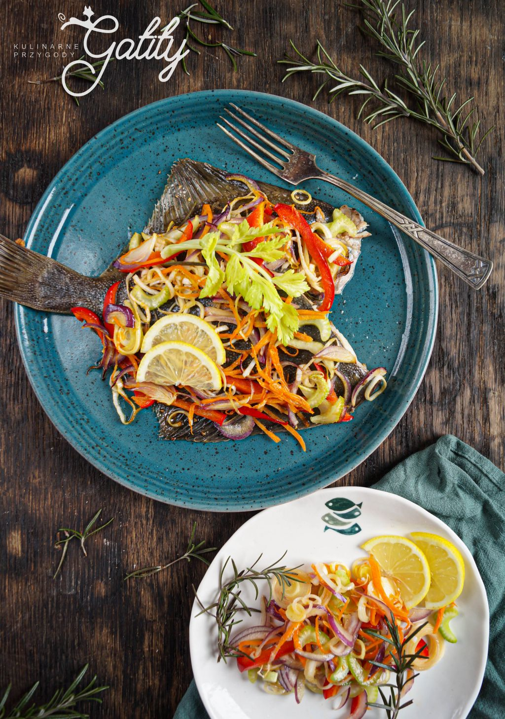 ryba-z-kolorowymi-warzywami