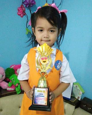 Zerli Anak Generasi Maju Juara Lomba Mewarnai