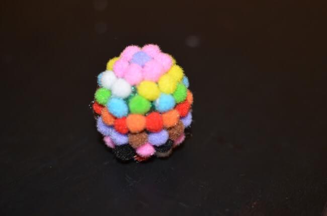 pompony vajce