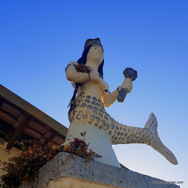 Estátua de Yemanjá no bairro do Rio Vermelho, em Salvador