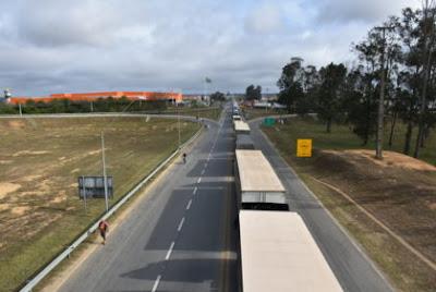 Noticias de Vitoria da Conquista : caminhoneiro morre preso nas ferragens