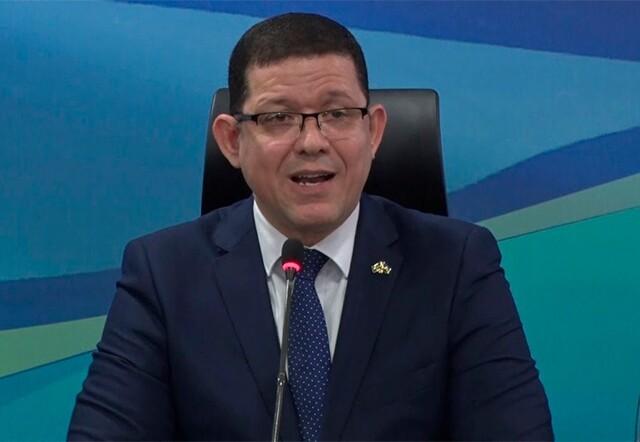 Governador diz que vai mandar fechar quase tudo nos finais de semana