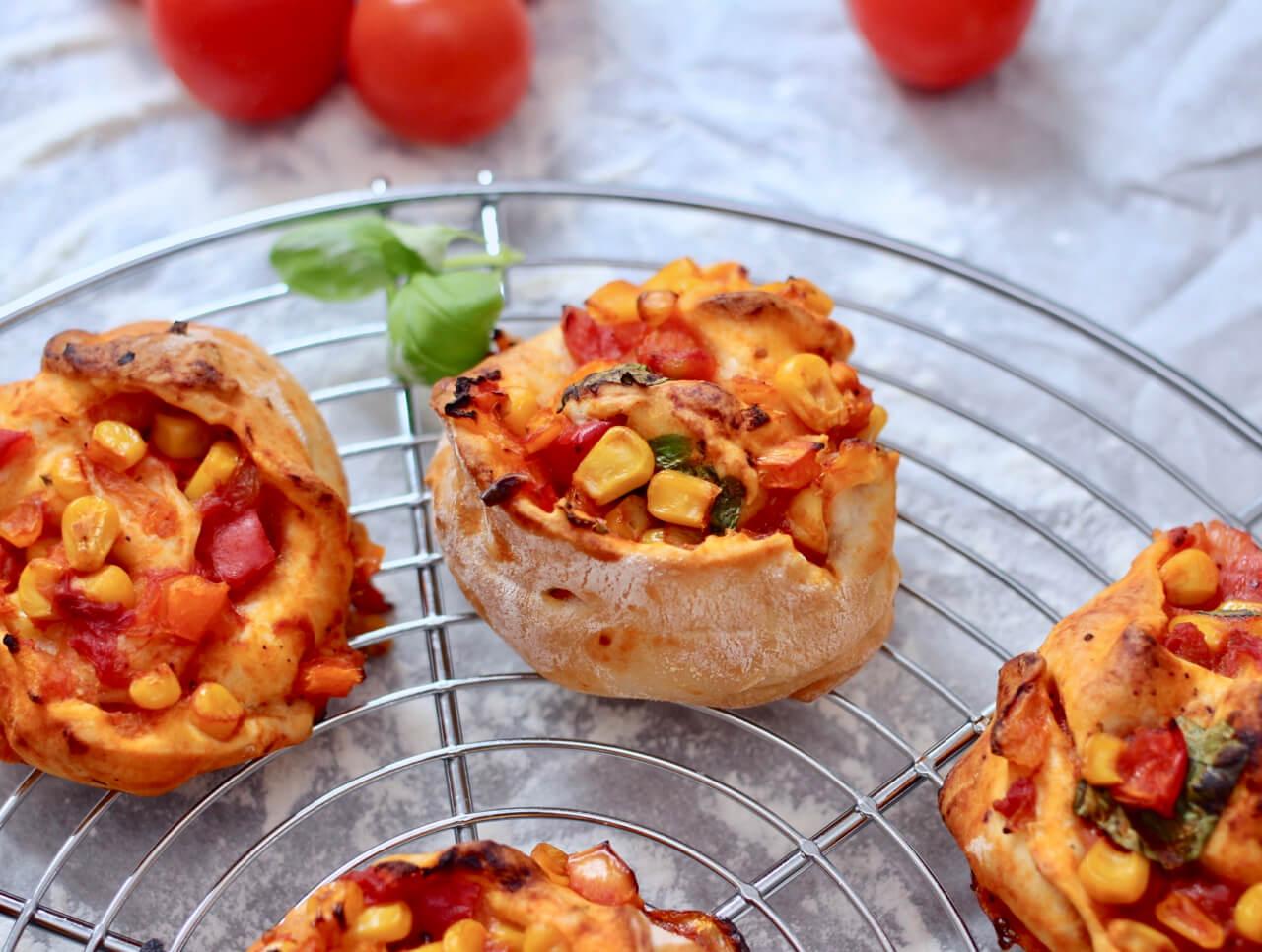 Rezept für pikante Pizza Schnecken