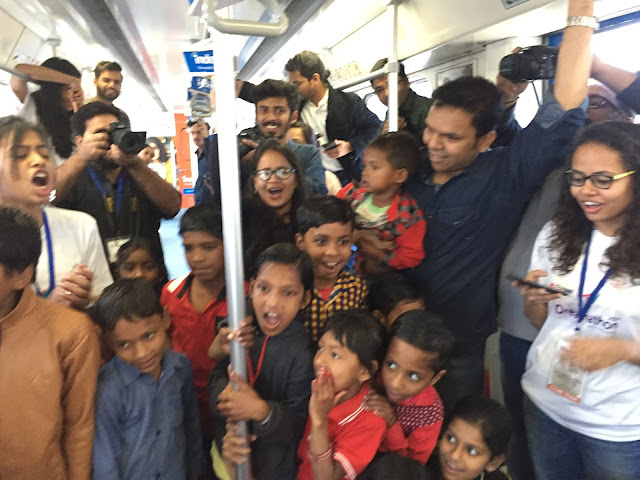 SapnoKaDibba in the Rapid Metro