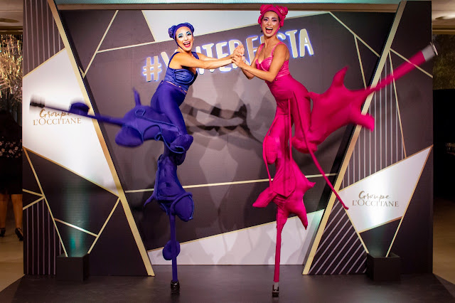 Atração artística Perna de Pau de Humor e Circo Produtora recebeu os convidados do evento de premiação do Grupo LÓcitanne em São Paulo.