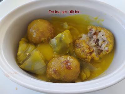 FA 2020 Guiso de albóndigas de alcachofas con pulpo y gambas con salsa marinera