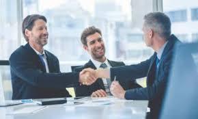 تأسيس علاقات مع العملاء
