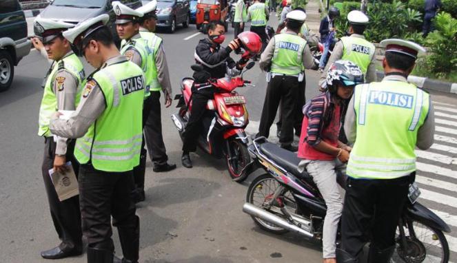 Sepatu Terpopuler Ini Ia 7 Cara Ampuh Menghindari Razia Polisi Di Jalan Raya