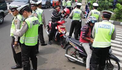 Tips Ampuh Menghindari Razia Polisi di Jalan Raya