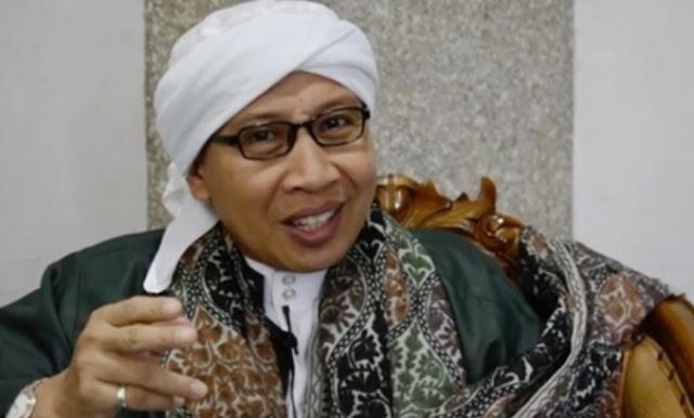 Buya Yahya: Jangan Benci Habib, Kita tak Akan Dipandang Nabi Muhammad Bila Membenci Mereka