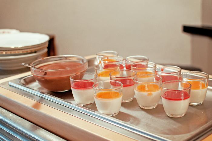 panna cotta et crème au chocolat au Restaurant le clou de girofle à Caen