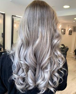 Warna Rambut Silver Blonde