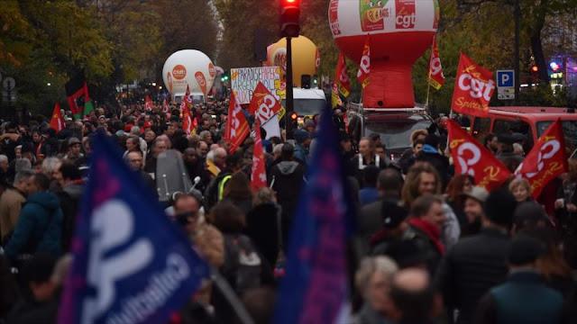 Franceses protestan por quinto día consecutivo contra Macron