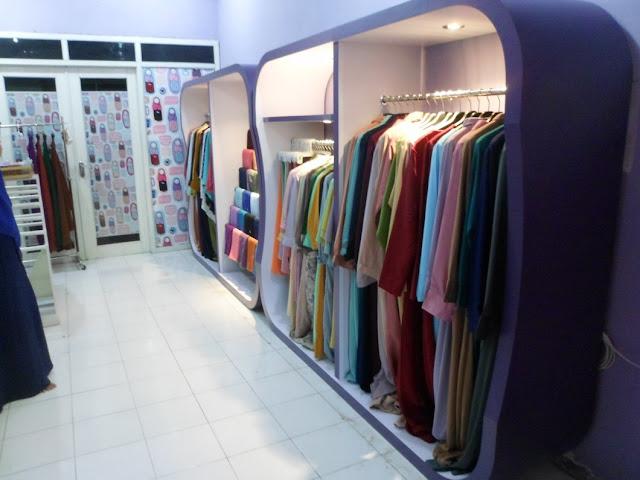 Etalase Pakaian Hijab + Furniture Semarang