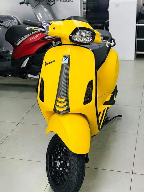 Vespa Sprint Màu Vàng Nhám