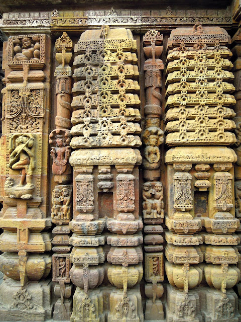 A miniature temple sculpted on the wall of the jagamohana, Mukteshwar Temple, Bhubaneshwar