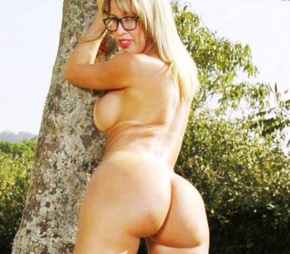Фото бразильская модель www.eroticaxxx.ru НЮ эротика Erotica на природе